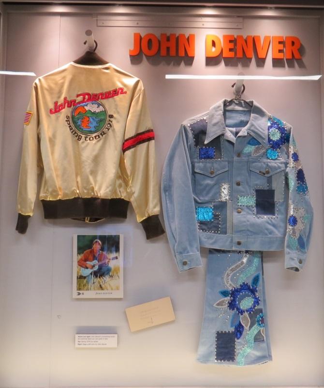 DENVER, JOHN CMHOF 01