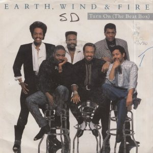 EARTH WIND & FIRE - COLUMBIA 8107_0002