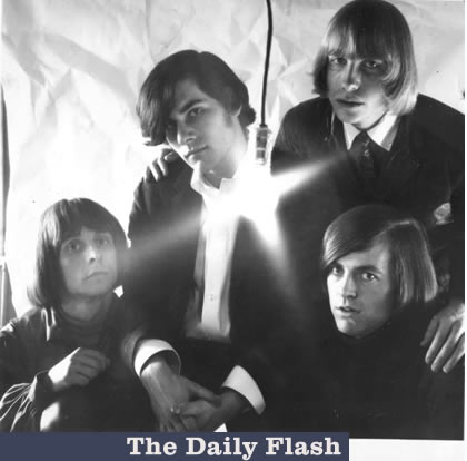 daily-flash-band